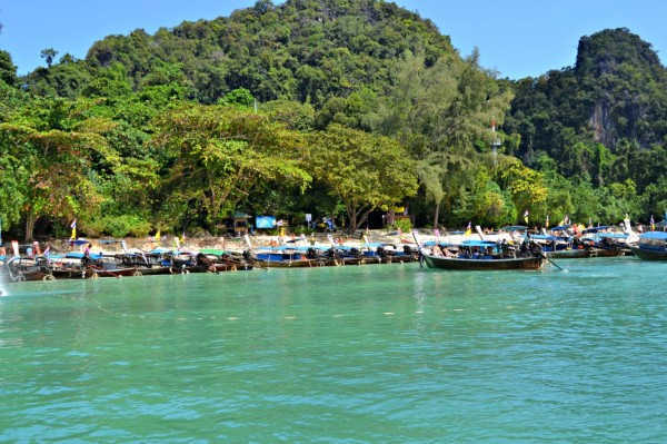 Koh Hong, Longtail boats