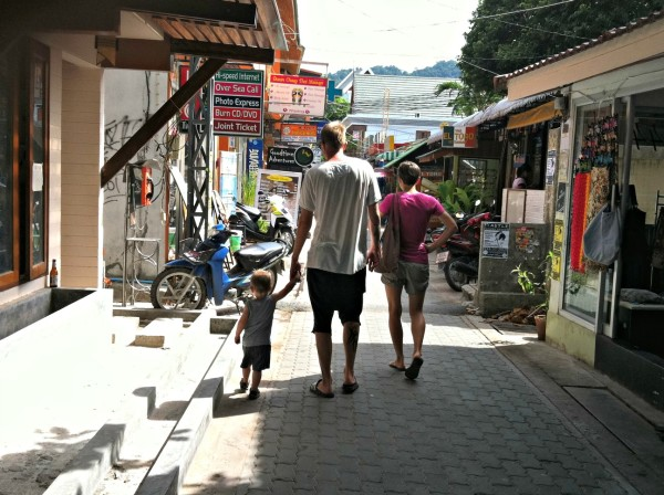 Stroll through the Sairee