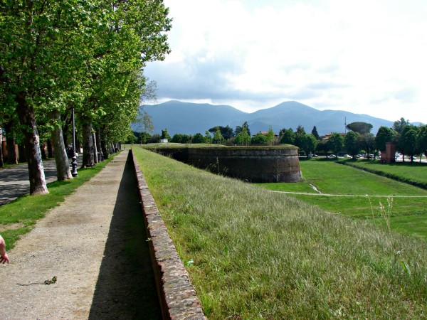 Wall around Lucca