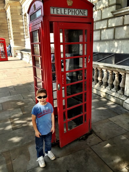 A must-do Phone Booth photo
