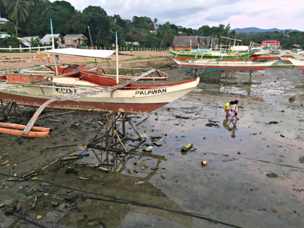 San Vicente Port at low tide