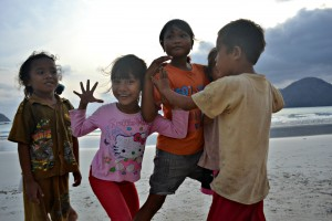 Local kids, Selong Belanak