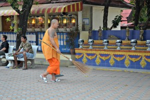 Monk at Big Buddha Temple (Wat Phra Yai)